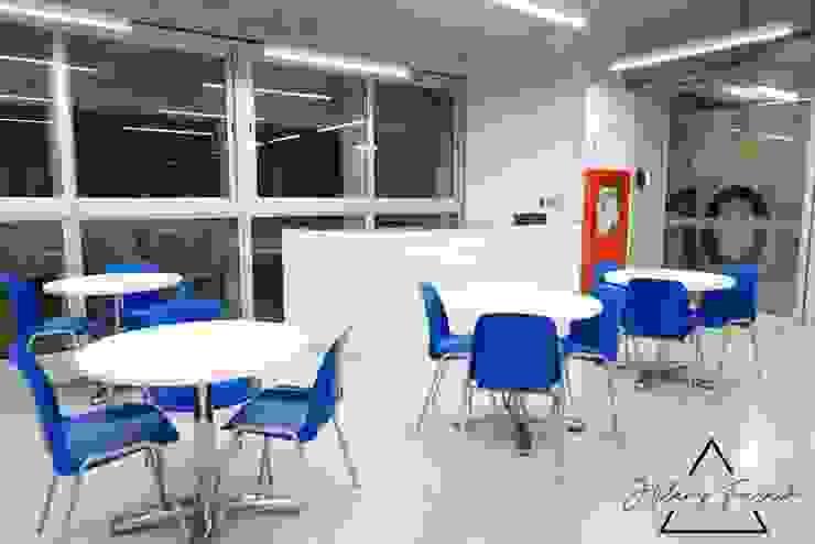 Proyecto Comercial - Biblioteca Universidad Utec de Farach Interior Design Minimalista Aglomerado