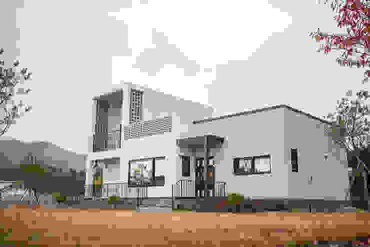 Rumah Minimalis Oleh 8sky design Minimalis Kayu Wood effect
