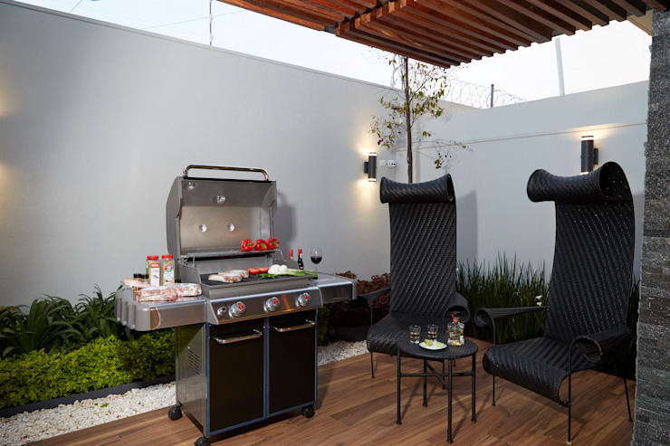Modern balcony, veranda & terrace by arketipo-taller de arquitectura Modern