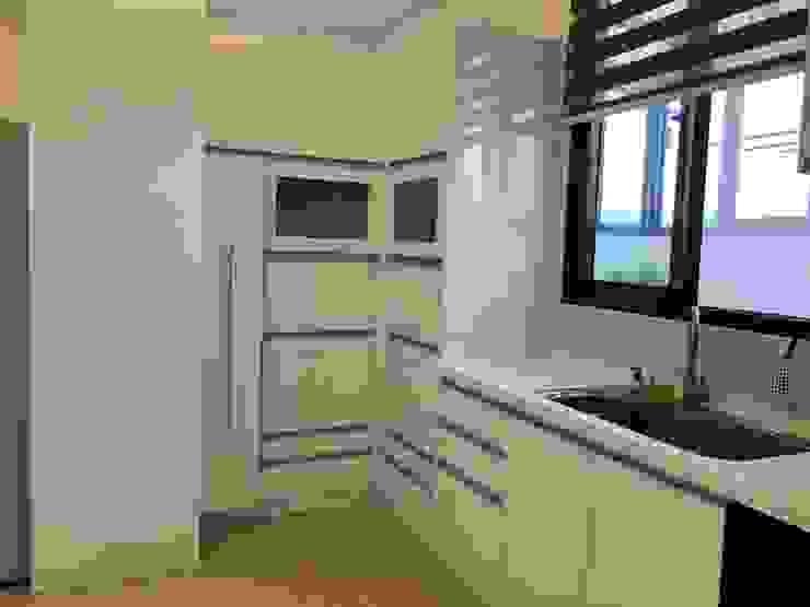 住宅:休 現代廚房設計點子、靈感&圖片 根據 先勁室內裝修有限公司 現代風