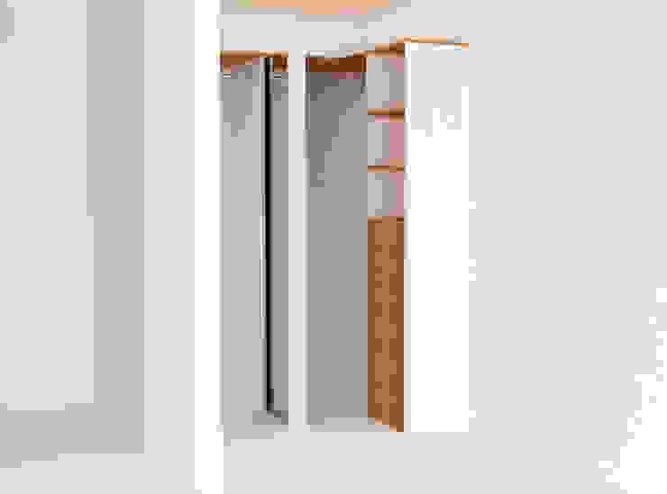 Towers de Estudio Raya Moderno Madera Acabado en madera