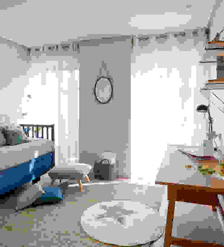 Dormitorio infantil y cuarto de baño azul en reforma ...