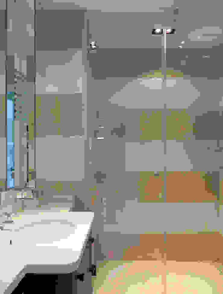 Salle de bains Antoine Chatiliez Salle de bain classique