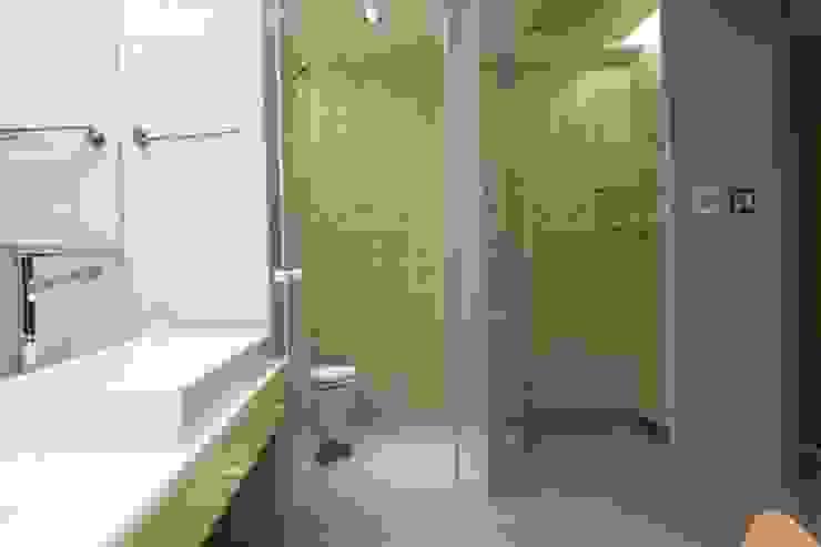 淋浴空間與如廁空間分隔出來 根據 直方設計有限公司 工業風