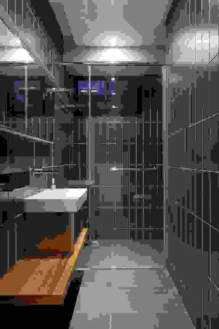 訪客使用的衛浴也是乾濕分離 根據 直方設計有限公司 工業風
