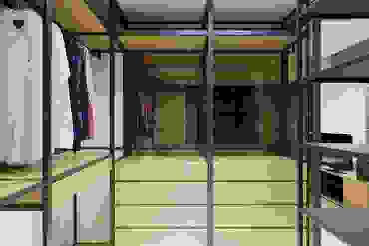 更衣室也用鐵件點綴出工業風的氣息 根據 直方設計有限公司 工業風