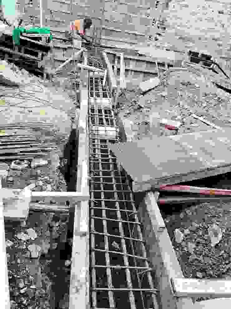 Construcción Bodega y 6 apartamentos de Arkited Moderno