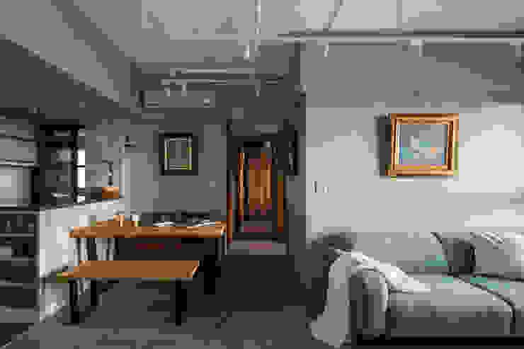 Scandinavian style dining room by 東江齋空間設計 Scandinavian