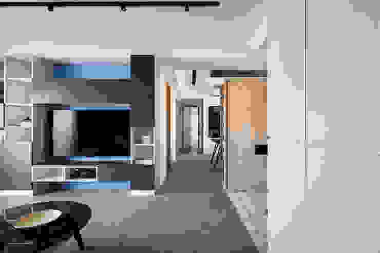 輕水模繽紛小宅 亞洲風玄關、階梯與走廊 根據 東江齋空間設計 日式風、東方風