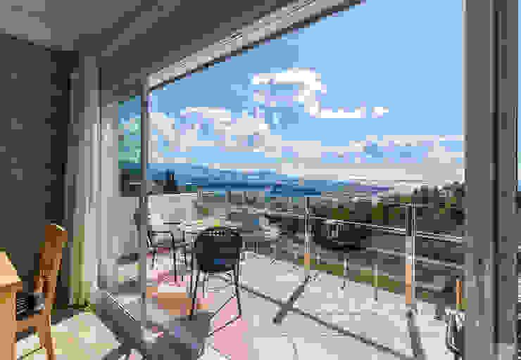Terraza superior Home & Haus | Home Staging & Fotografía Balcones y terrazas mediterráneos