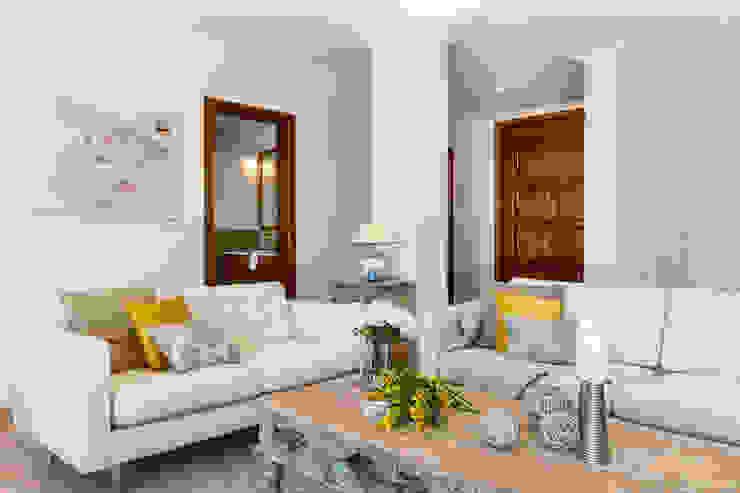 salón Home & Haus | Home Staging & Fotografía Livings de estilo mediterráneo