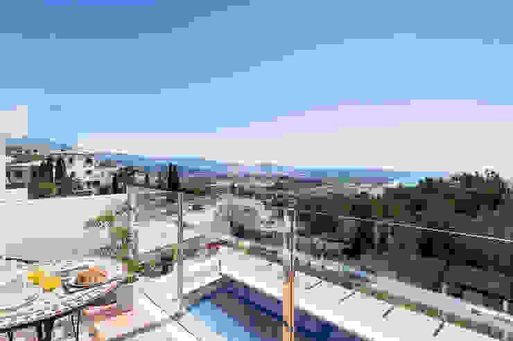 Piscina Home & Haus | Home Staging & Fotografía Balcones y terrazas mediterráneos