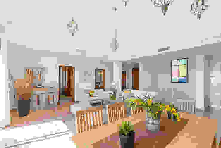 Salón comedor Home & Haus | Home Staging & Fotografía Livings de estilo mediterráneo