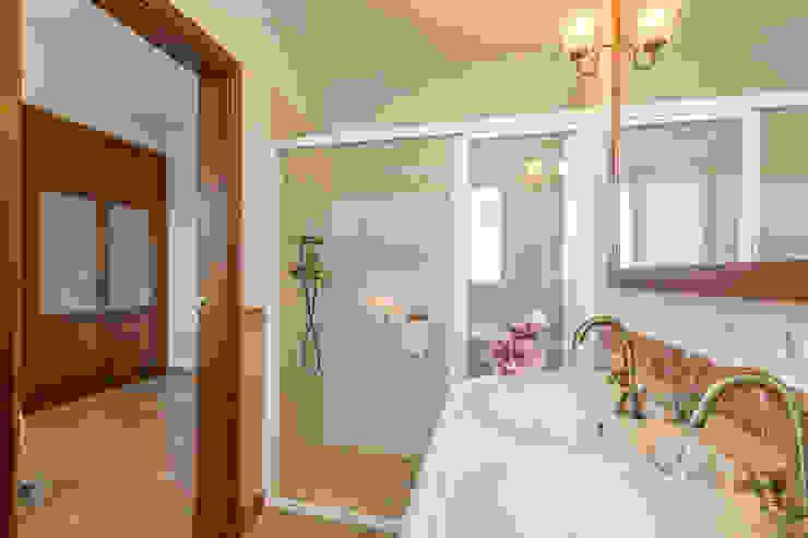 Home & Haus | Home Staging & Fotografía Mediterranean style bathrooms
