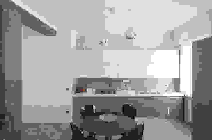 Appartamento in collaborazione con il Designer Matteo Storchio Cucina moderna di Studio di Architettura IATTONI Moderno