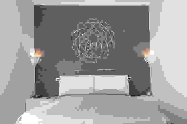 Appartamento in collaborazione con il Designer Matteo Storchio Camera da letto moderna di Studio di Architettura IATTONI Moderno
