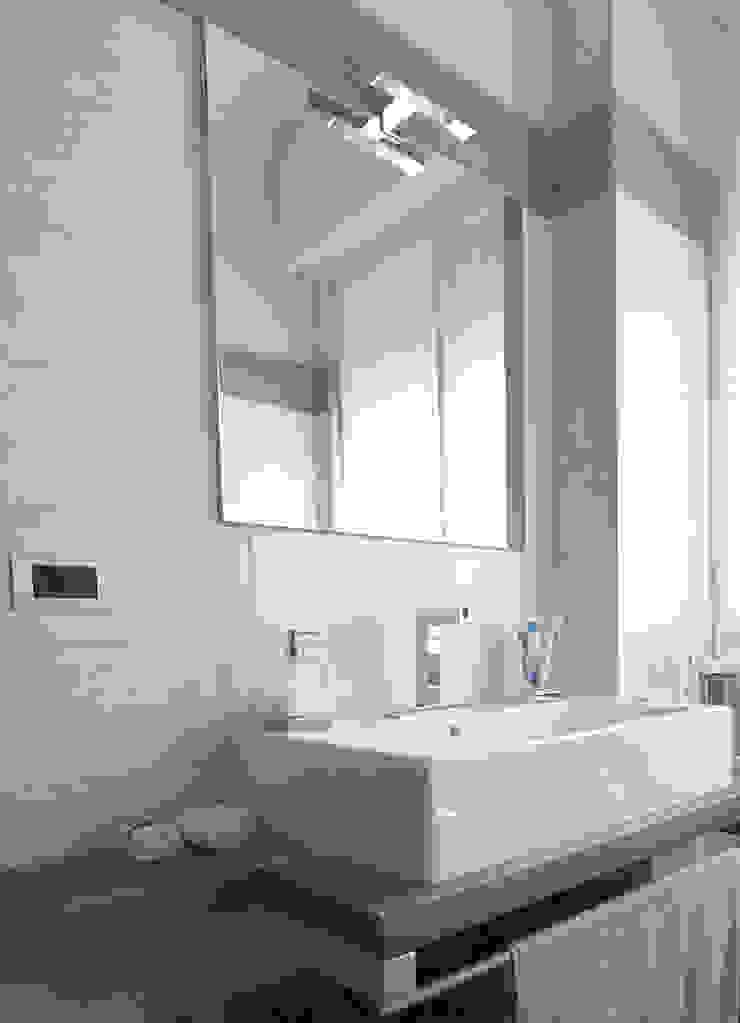 Studio di Architettura IATTONI Baños de estilo moderno