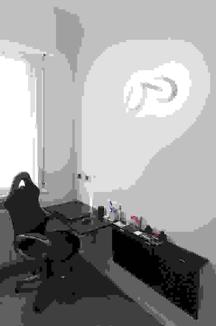 Appartamento in collaborazione con il Designer Matteo Storchio Studio moderno di Studio di Architettura IATTONI Moderno