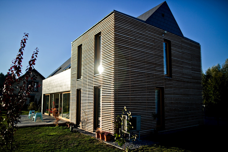 Majchrzak Pracownia Projektowa Single family home Wood Black