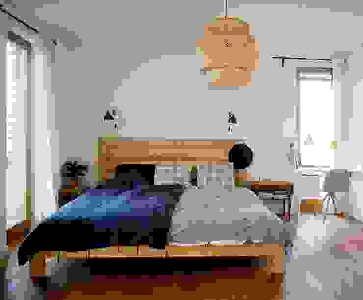 Chambre moderne par Majchrzak Pracownia Projektowa Moderne