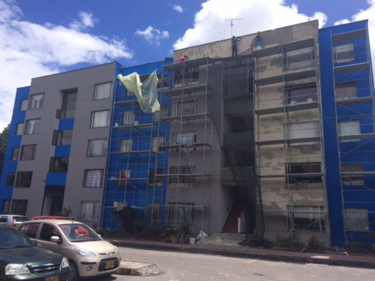 CONJUNTO RESIDENCIAL. RESTAURACION FACHADAS de URCODI