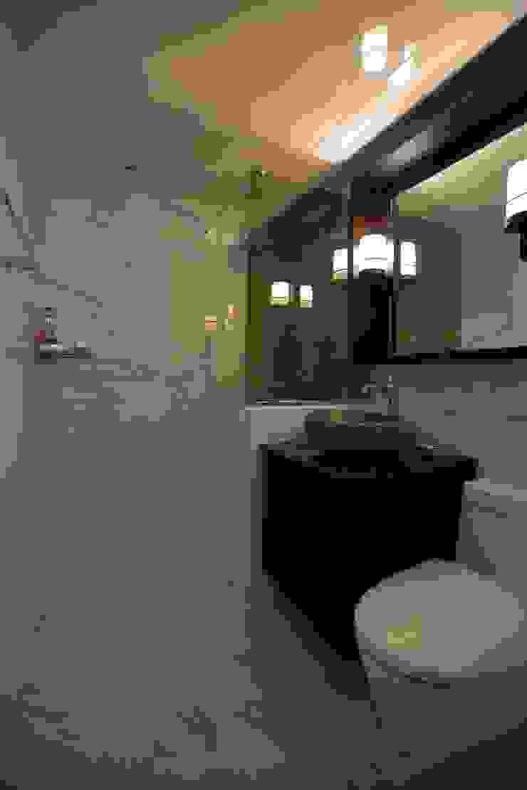 interior by INARK 서울 레이크팰리스 아파트 올리모델링 인아크 건축 설계 인테리어 디자인 미니멀리스트 욕실 by inark [인아크 건축 설계 디자인] 미니멀