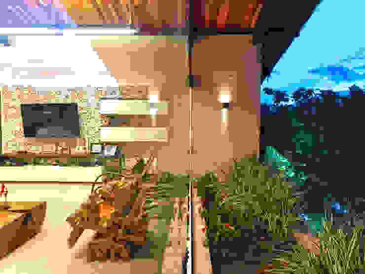 Arquitetura Sônia Beltrão & associados Modern Living Room Wood White