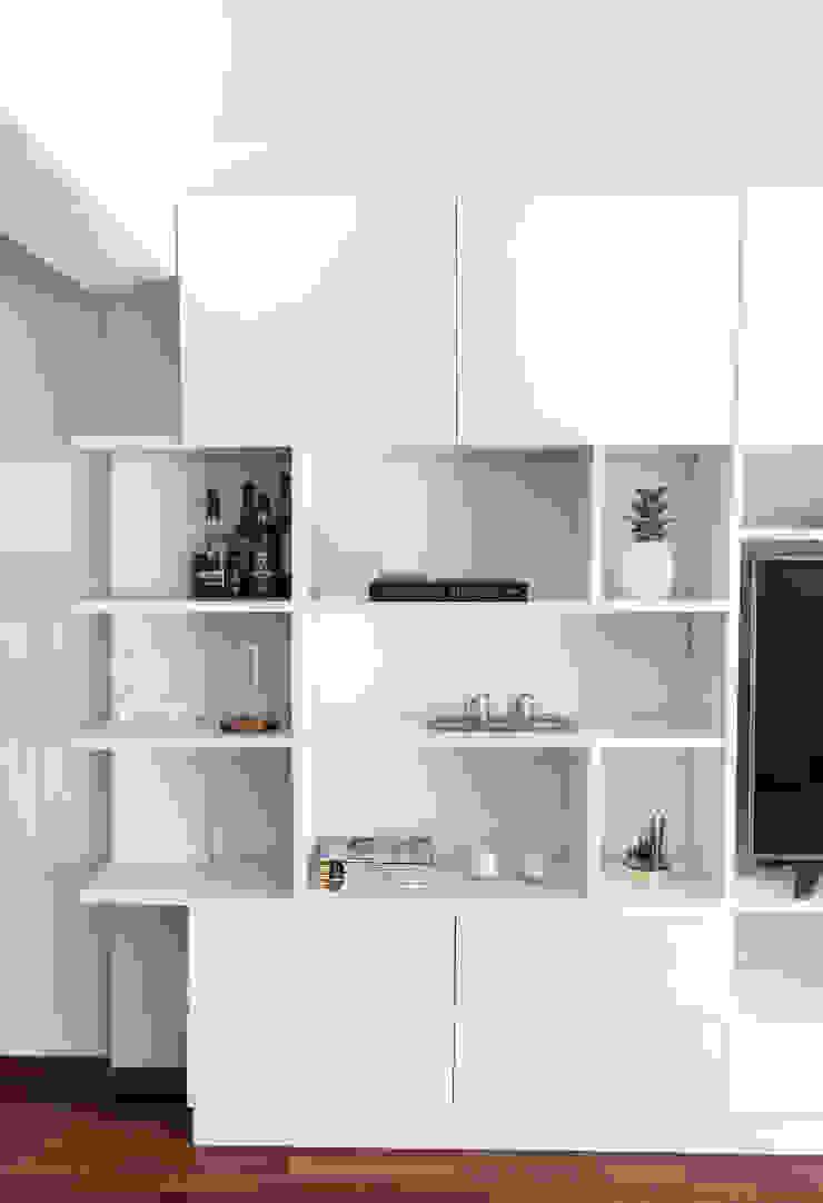 Modern living room by Bhavana Modern