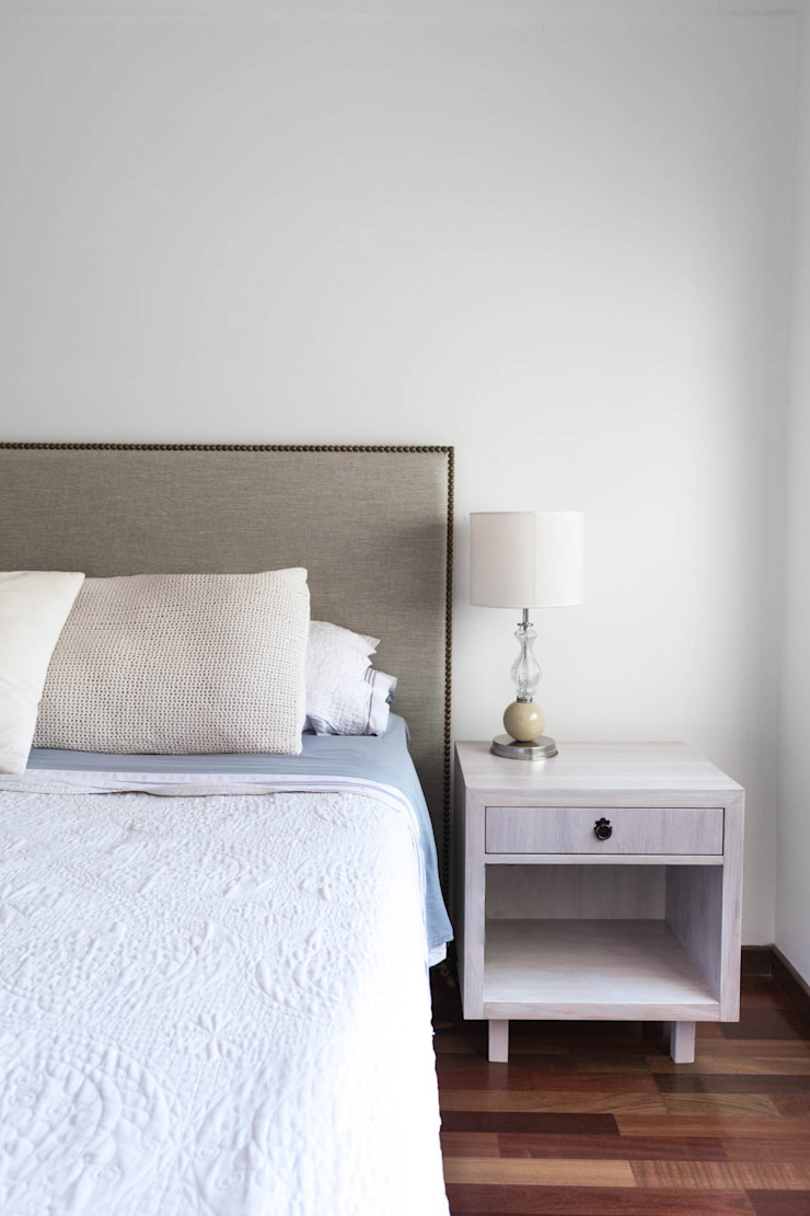 Modern style bedroom by Bhavana Modern
