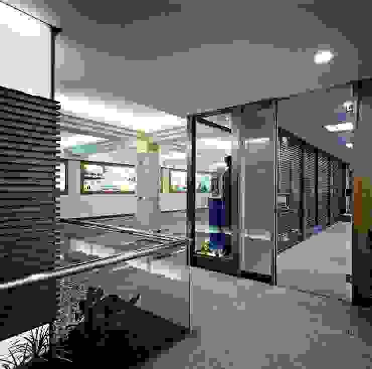 艾強生淨水科技事業集團- 板橋廠區 根據 京采空間設計 工業風