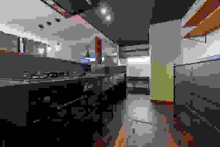 HouseY3 一級建築士事務所 ima建築設計室 システムキッチン 金属 黒色