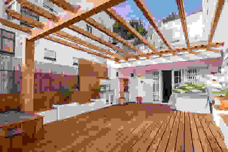 Atelier d'Maison Modern Terrace