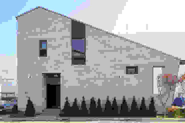 용인 동백주택 상상가득 입면 주택설계전문 디자인그룹 홈스타일토토 목조 주택 타일 화이트