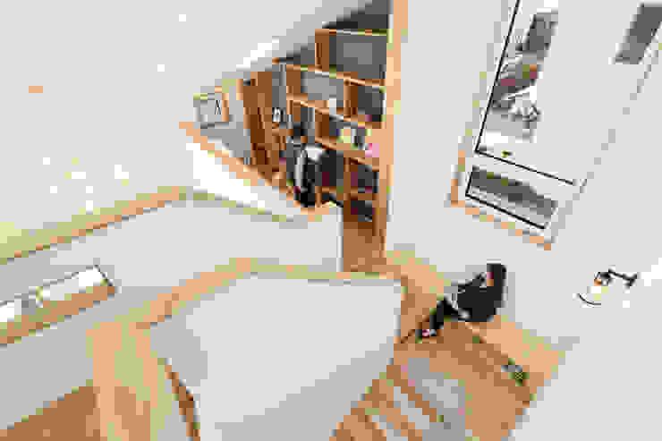 Moderne Arbeitszimmer von 주택설계전문 디자인그룹 홈스타일토토 Modern Holz Holznachbildung