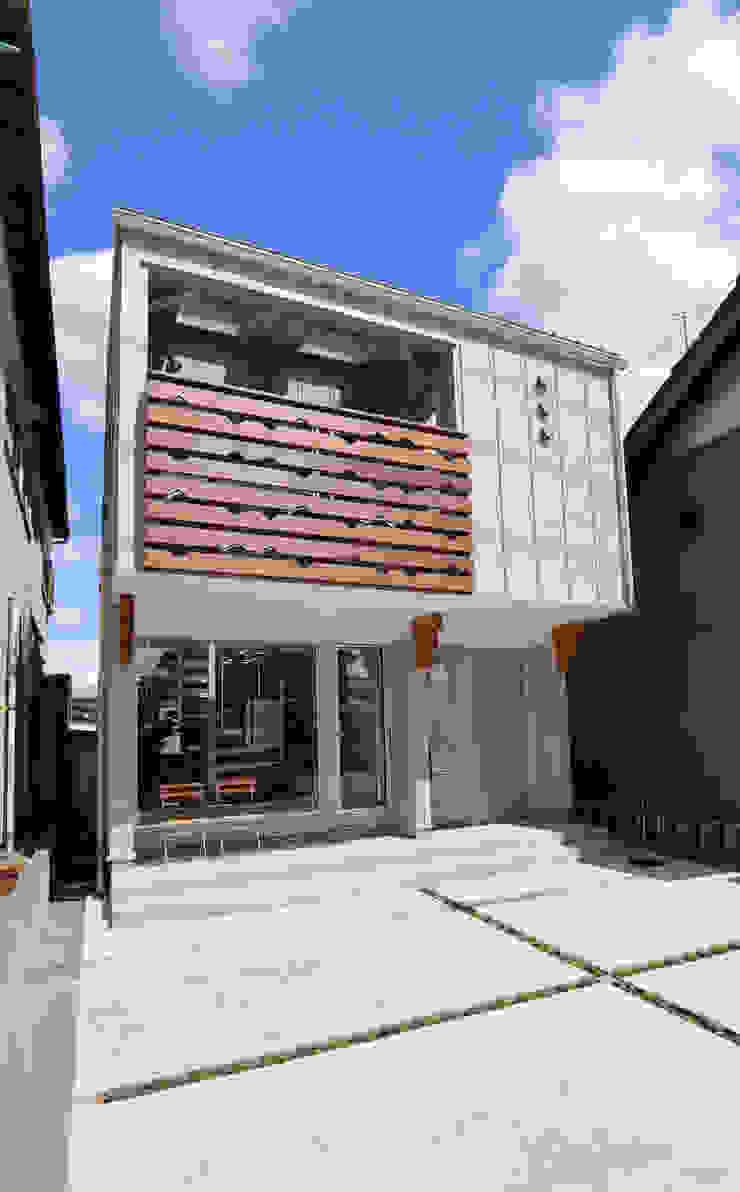 von 遠藤浩建築設計事務所 H,ENDOH ARCHTECT & ASSOCIATES Modern Aluminium/Zink