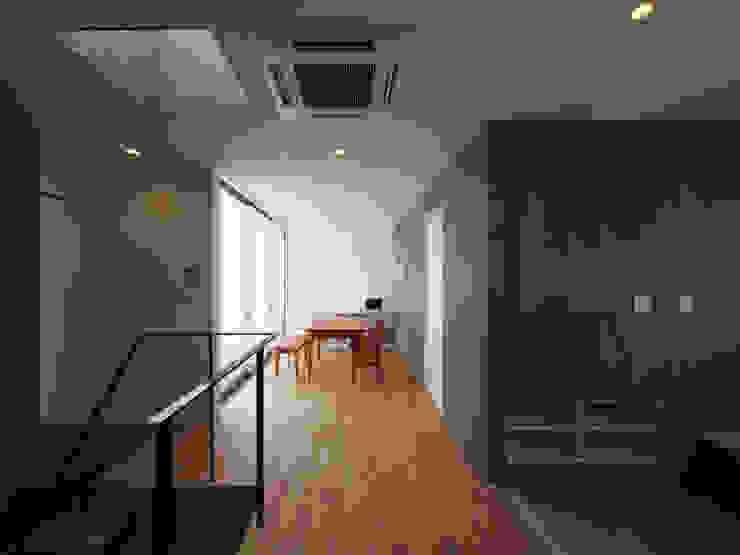 イシウエヨシヒロ建築設計事務所 YIA Modern living room