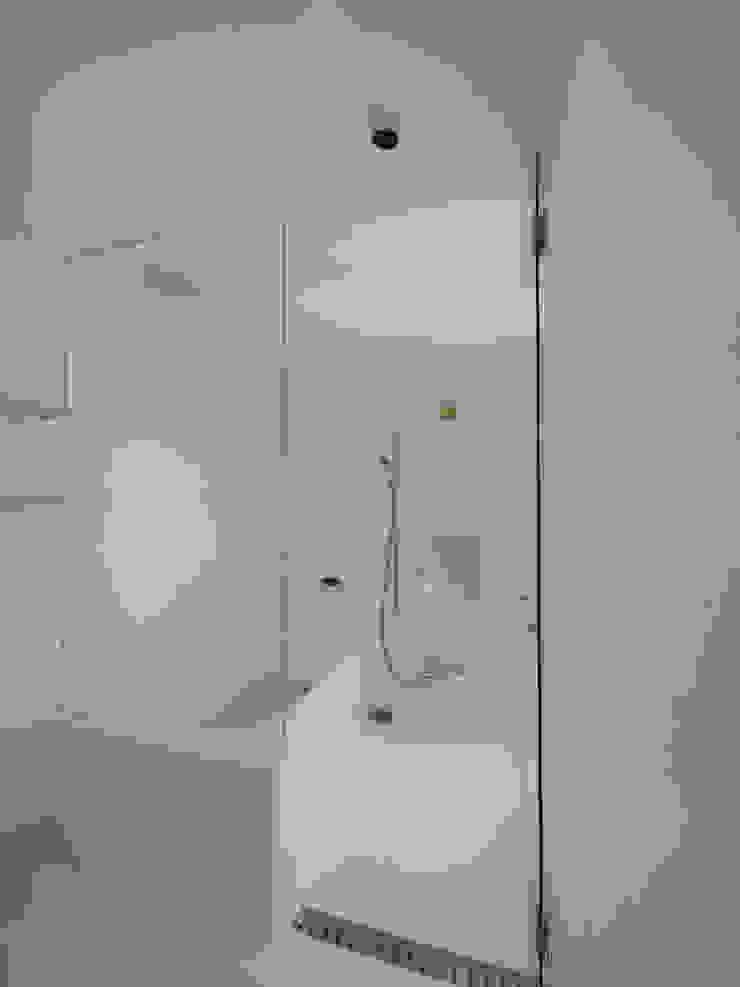 イシウエヨシヒロ建築設計事務所 YIA Modern bathroom
