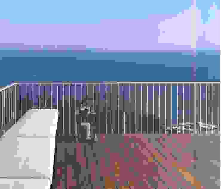 giovanni francesco frascino architetto Balcones y terrazas de estilo minimalista