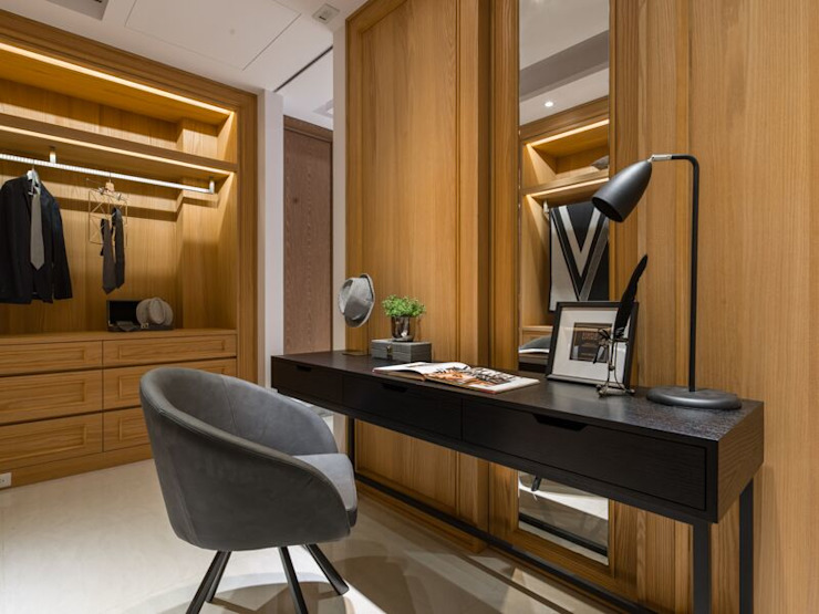 寬敞的更衣室 根據 湘頡設計 古典風