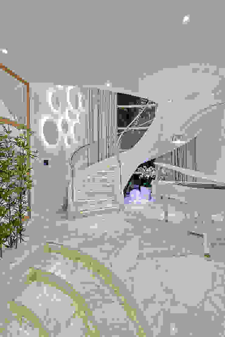 Arquiteto Aquiles Nícolas Kílaris Escaleras