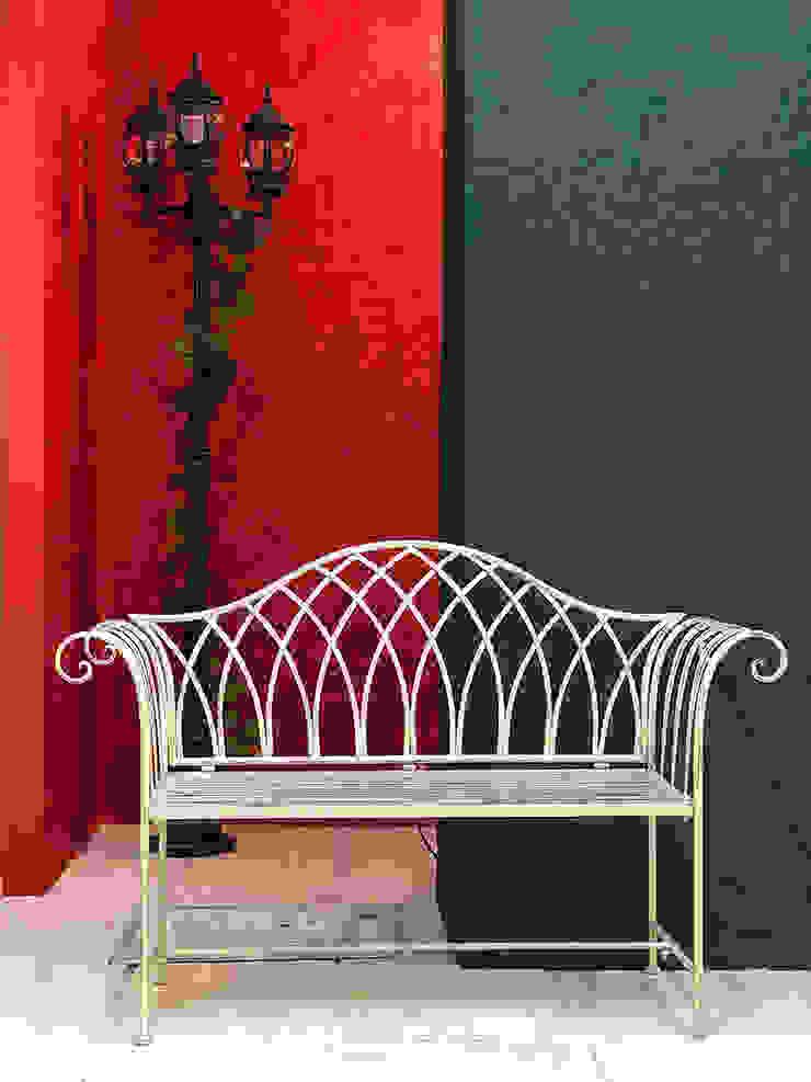 Locaux commerciaux & Magasin rustiques par Anastasia Reicher Interior Design & Decoration in Wien Rustique
