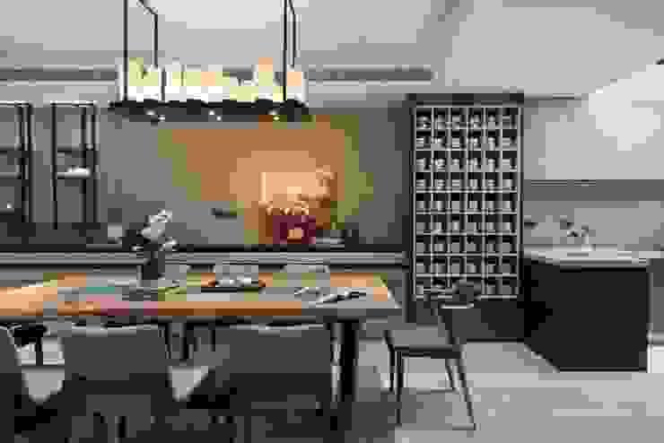 大片收納牆放上屋主收集的馬克杯成為另類裝飾 根據 宸域空間設計有限公司 現代風