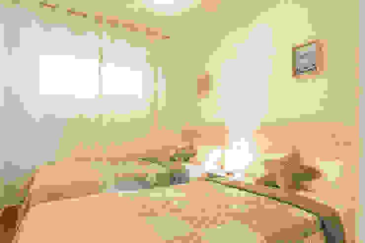 Mediterranean style bedroom by Home & Haus   Home Staging & Fotografía Mediterranean