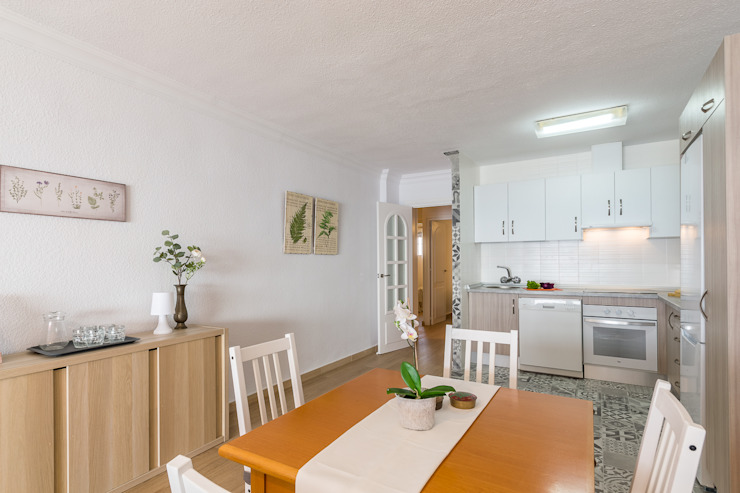 Mediterranean style dining room by Home & Haus   Home Staging & Fotografía Mediterranean