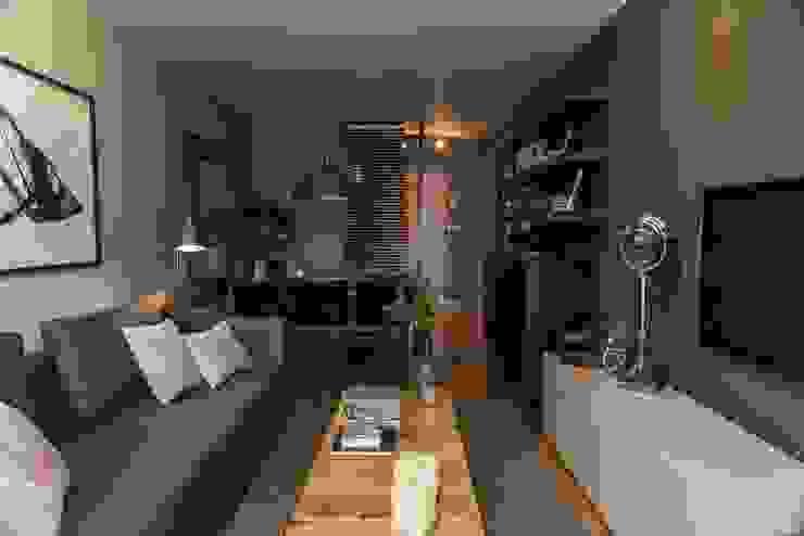Reforma integral de un piso en A Coruña LUCIA PARGA INTERIORISTA Salones de estilo ecléctico