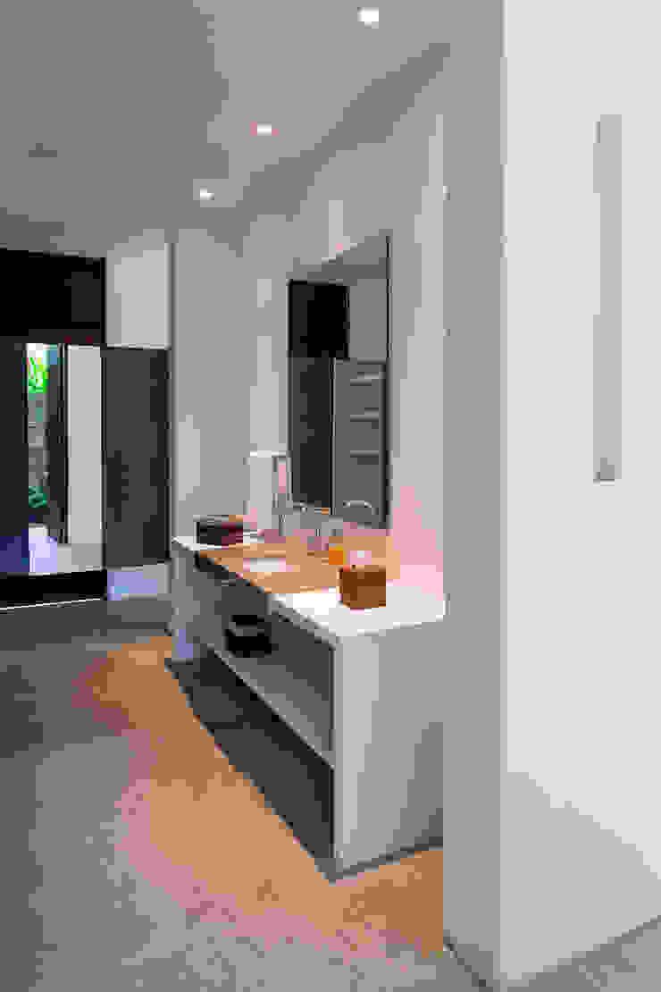 NOAH Proyectos SAS Bagno moderno Cemento Bianco