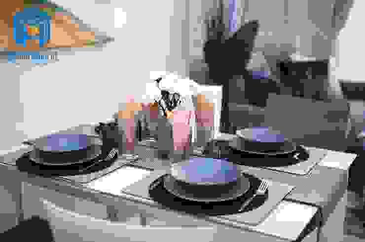 Bàn ăn nhỏ dành cho 4 người Phòng ăn phong cách hiện đại bởi Công ty TNHH Nội Thất Mạnh Hệ Hiện đại