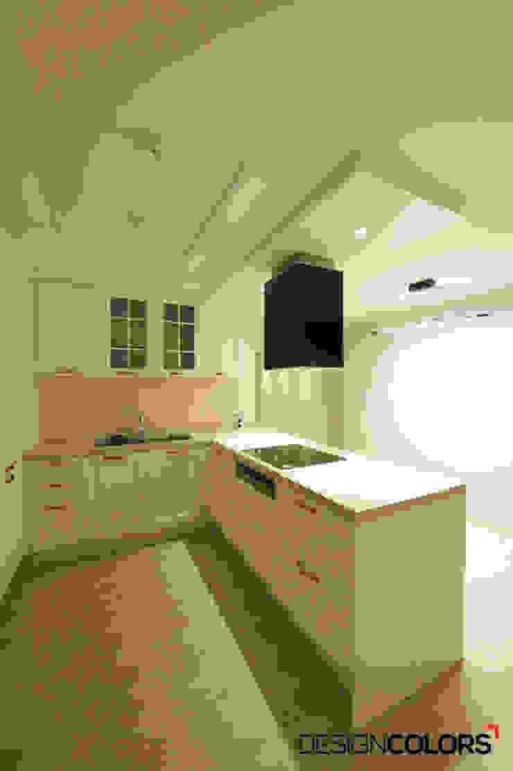 Modern kitchen by DESIGNCOLORS Modern