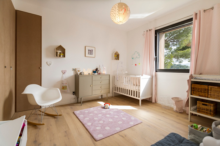 Modern nursery/kids room by Pixiflat Modern