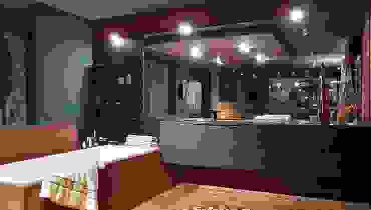 Arredamento Bagno: Bagno in stile  di Formarredo Due design 1967,